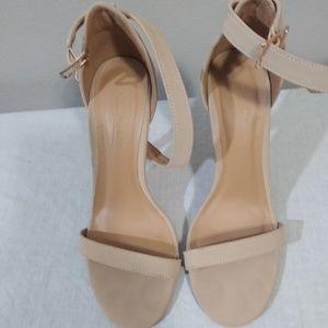 """Tan Anne Michelle 3"""" heels $10"""